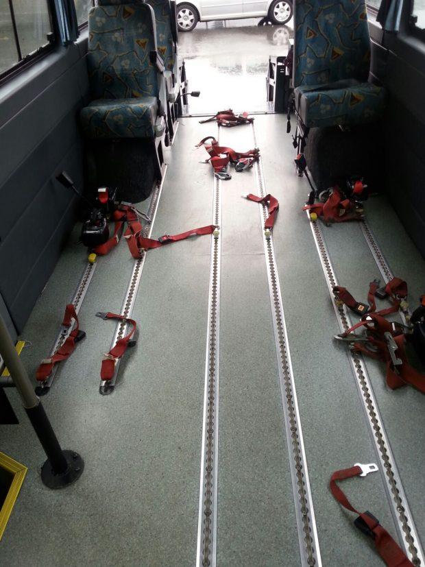 Anclajes autobús adaptado PMR con plataforma