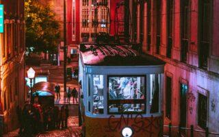 Vive la experiencia del Camino Portugués gracias a los autobuses de Travidi