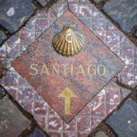 (Español) Descubre la única ruta a través del mar del Camino de Santiago con la ayuda del servicio de alquiler de autobuses de Travidi